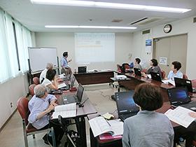 高齢者のためのパソコン講習会